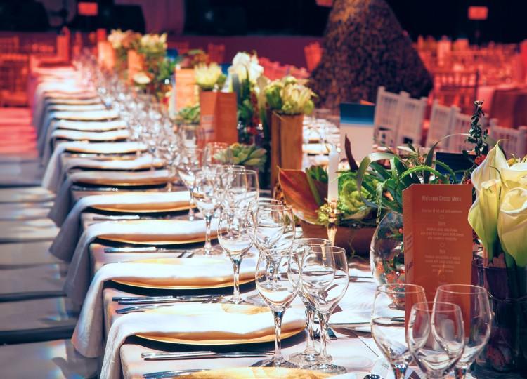 Корпоративные события, частные праздники, гала-ужины и спортивные мероприятия.